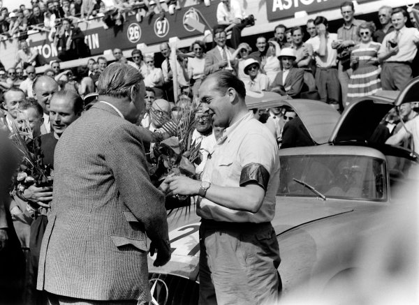1952 Le Mans 24 Hours Le Mans, France. 14-15 June 1952 Hermann Lang with Fritz Riess in the background (Mercedes-Benz 300SL), 1st position. Ref: 4585c#33a World Copyright: LAT Photographic