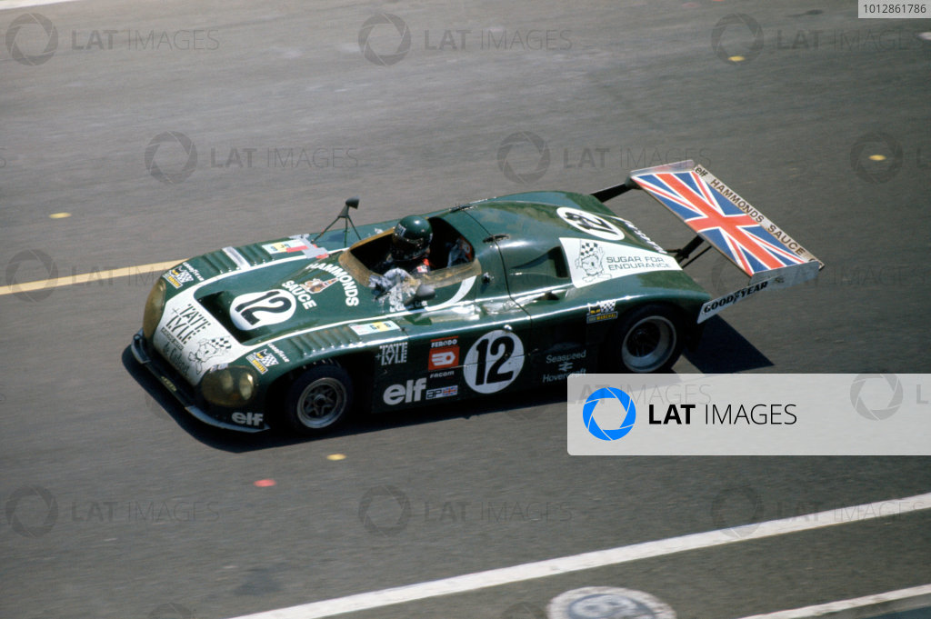 1976 Le Mans 24 Hours Le Mans, France. 12th - 13th June. Chris Craft/Alain de Cadenet (Lola T380-Ford Cosworth), 3rd position, action.  World Copyright: Murenbeeld/LAT Photographic Ref: 76LM