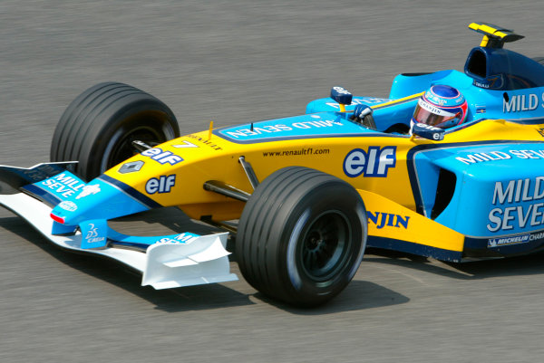 2003 San Marino Grand Prix - Saturday 2nd Qualifying,Imola, Italy.19th April 2003.Jarno Trulli, Renault R23, action. World Copyright LAT Photographic.ref: Digital Image Only.