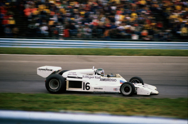 Watkins Glen, New York, USA. 30th September - 2nd October 1977.Jean-Pierre Jarier (Shadow-Ford DN8), 9th position, action. World Copyright: LAT Photographic.Ref:  77USA12.