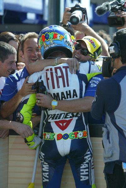 Misano, Italy. 4th - 6th September 2009.Valentino Rossi Fiat Yamaha celebrates with his team in parc ferme.World Copyright: Martin Heath/LAT Photographicref: Digital Image 827E9873