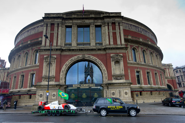 2014 Ayrton Senna Tribute. Royal Albert Hall, Kensington Gore, London. 1st May 2014. Peter Ratcliffe parades a replica 1993 Ayrton Senna McLaren around the streets of London. World Copyright: Alastair Staley / LAT Photographic. Ref: _R6T0348.jpg