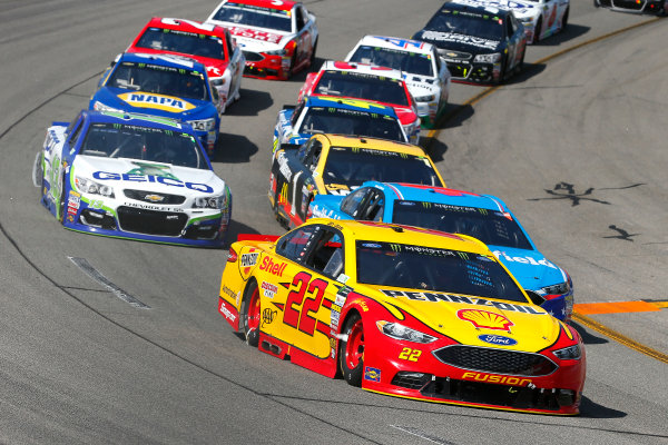 Monster Energy NASCAR Cup Series Toyota Owners 400 Richmond International Raceway, Richmond, VA USA Sunday 30 April 2017 Joey Logano, Team Penske, Shell Pennzoil Ford Fusion and Aric Almirola, Richard Petty Motorsports, Smithfield Ford Fusion World Copyright: Russell LaBounty LAT Images ref: Digital Image 17RIC1Jrl_5999