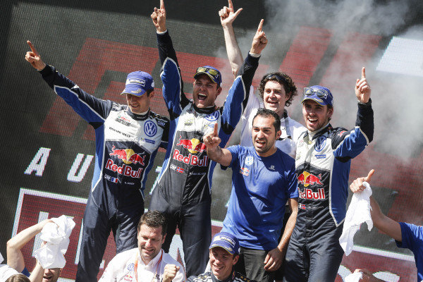 Rally winners Andreas Mikkelsen (NOR) / Anders Jaeger Synnevag (NOR), Volkswagen Motorsport II WRC and second placed Sebastien Ogier (FRA), Volkswagen Motorsport WRC celebrate on the podium at FIA World Rally Championship, Rd13, Rally Australia, Day Three, Coffs Harbour, New South Wales, Australia, 20 November 2016.