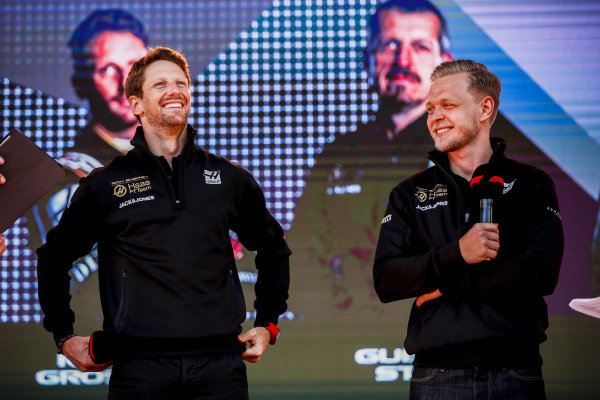 Romain Grosjean, Haas F1 Team. And Kevin Magnussen, Haas F1 Team on stage at the Federation Square event