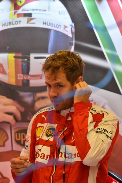 Sebastian Vettel (GER) Ferrari at Formula One World Championship, Rd16, United States  Grand Prix, Qualifying, Austin, Texas, USA, Saturday 24 October 2015.