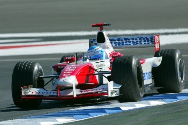 Mika Salo (FIN) Toyota TF102.German Grand Prix, Hockenheim, Germany, 28 July 2002.DIGITAL IMAGE