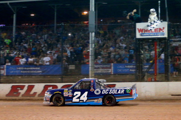 19-20 July, 2016, Rossburg, Ohio USA Kyle Larson drives under the checkered flag to win ?2016, Russell LaBounty LAT Photo USA