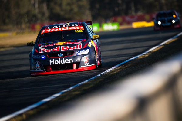 2017 Supercars Championship Round 8.  Ipswich SuperSprint, Queensland Raceway, Queensland, Australia. Friday 28th July to Sunday 30th July 2017. Jamie Whincup, Triple Eight Race Engineering Holden.  World Copyright: Daniel Kalisz/ LAT Images Ref: Digital Image 280717_VASCR8_DKIMG_8387.jpg