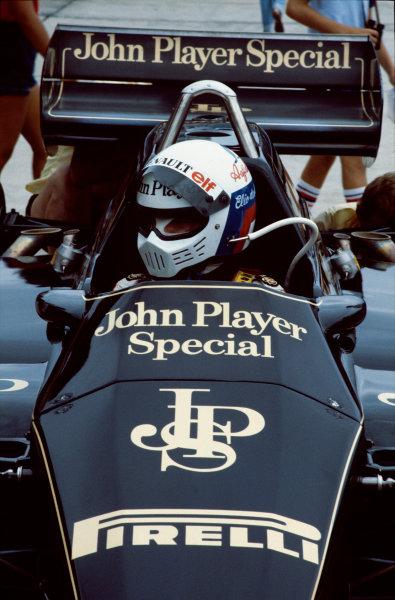 Jacarepagua, Rio de Janeiro, Brazil.11-13 March 1983.Elio de Angelis (Lotus 91 Ford), Disqualified, changed car after parade lap, portrait. . World Copyright: LAT Photographic.Ref:  83BRA