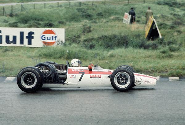 1968 Dutch Grand Prix.Zandvoort, Holland.21-23 June 1968.John Surtees (Honda RA301).Ref-68 HOL 17.World Copyright - LAT Photographic