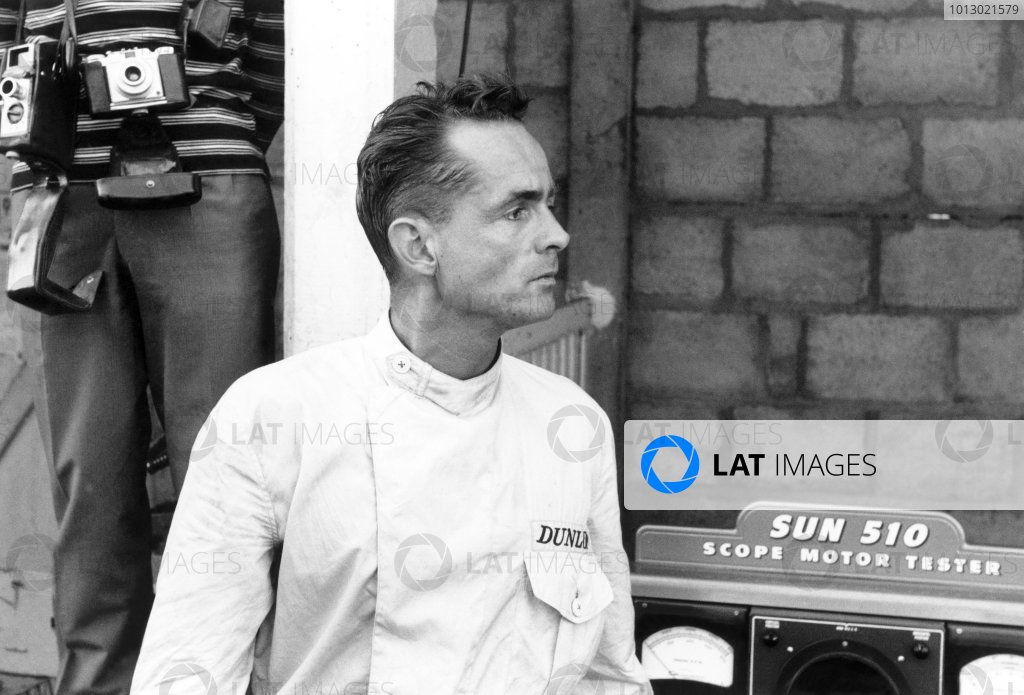 1961 French Grand Prix.Reims, France. 30 June-2 July 1961.Phil Hill (Ferrari 156), Portrait.World Copyright: LAT PhotographicRef: Autosport b&w print