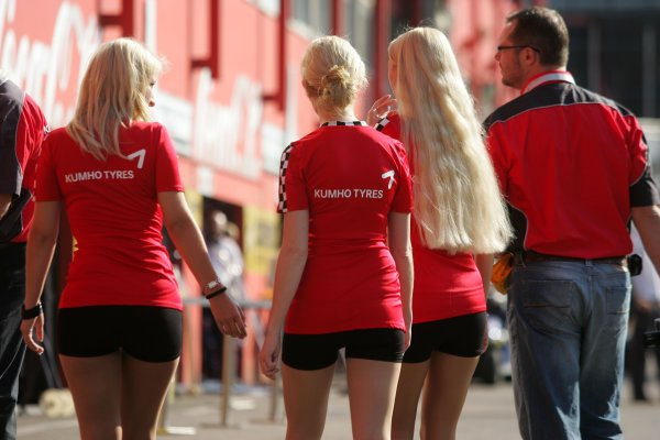 2007 Zandvoort Masters of Formula Three.Zolder, Belgium. 4th and 5th August 2007.Kumho Tyres GirlsWorld Copyright: Hoyer/Ebrey/LAT Photographic