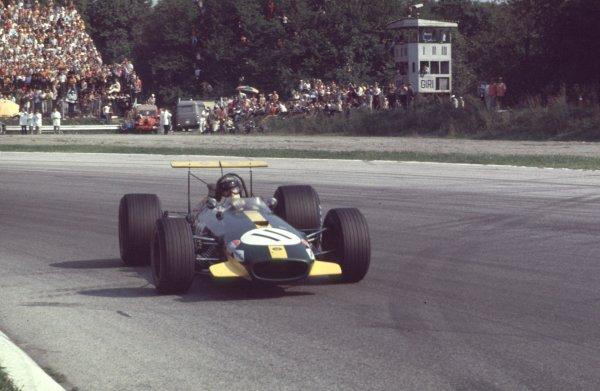 1968 Italian Grand Prix.Monza, Italy.6-8 September 1968.Jochen Rindt (Brabham BT26 Repco) in the Parabolica.Ref-68 ITA 02.World Copyright - LAT Photographic