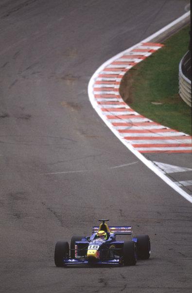 2001 F3000 ChampionshipSpa-Francorchamps, Belgium. 1st September 2001.Ricardo Mauricio (Red Bull Jnr), action.World Copyright: Lorenzo Bellanca/LAT Photographicref: 35mm Image A17