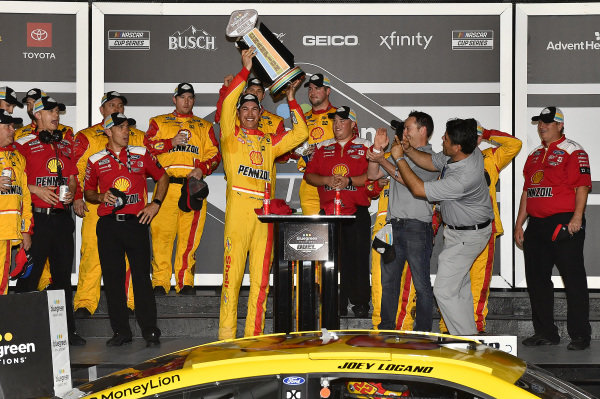 #22: Joey Logano, Team Penske, Ford Mustang Shell Pennzoil wins