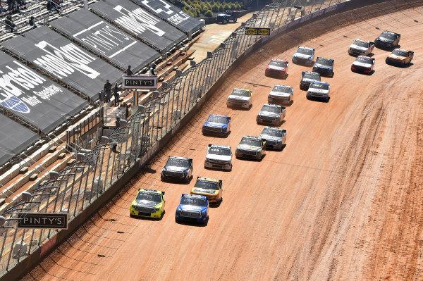 #88: Matt Crafton, ThorSport Racing, Toyota Tundra ThorSport Racing, #16: Austin Hill, Hattori Racing Enterprises, Toyota Tundra United Rentals