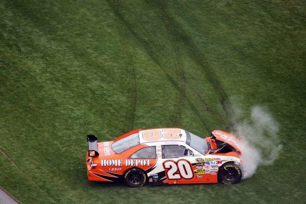 Joey Logano (USA) Home Depot Toyota crashed heavily out of the race.NASCAR Sprint Cup Series, Rd 1, Daytona 500, Daytona International Speedway, Daytona, Florida, USA, Sunday 15 February 2009.