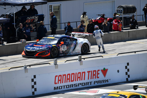 Pirelli World Challenge Victoria Day SpeedFest Weekend Canadian Tire Motorsport Park, Mosport, ON CAN Saturday 20 May 2017 Peter Kox/ Mark Wilkins pit stop World Copyright: Richard Dole/LAT Images ref: Digital Image RD_CTMP_PWC17097