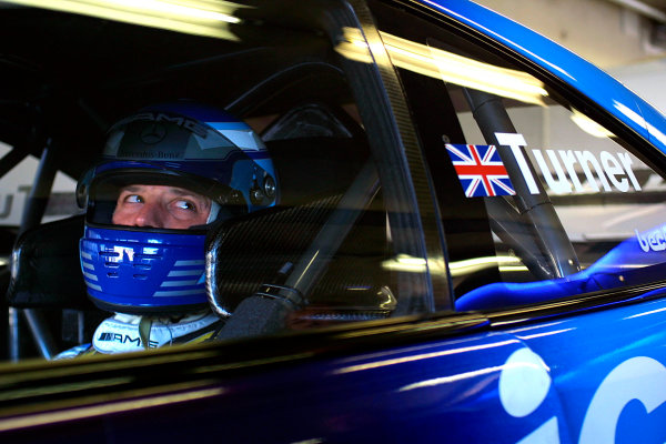 2001 DTM ChampionshipZandvoort, Holland. 22nd - 23rd September 2001.Darren Turner (Service 24h AMG Mercedes), portrait.World Copyright: Peter Spinney/LAT Photographicref: 8 5mb Digital Image Only