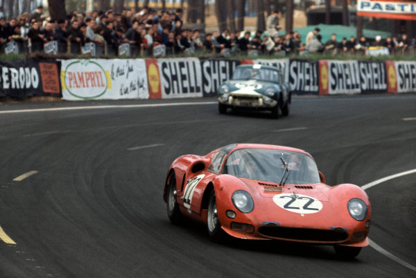 Le Mans, France. 19 - 20 June 1965. Lorenzo Bandini/Giampiero Biscaldi (Ferrari 275P2), retired, action. World Copyright: LAT Photographic Ref: 65LM03