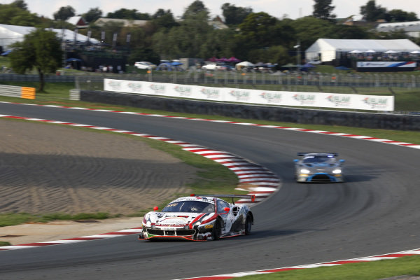 #22 Rinaldi Racing Ferrari 488 GT3: Leonard Weiss, Jochen Krumbach, David Perel.