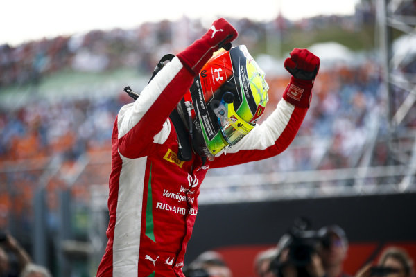 HUNGARORING, HUNGARY - AUGUST 04: Race winner Mick Schumacher (DEU, PREMA RACING) celebrates in parc ferme during the Hungaroring at Hungaroring on August 04, 2019 in Hungaroring, Hungary. (Photo by Andy Hone / LAT Images / FIA F2 Championship)