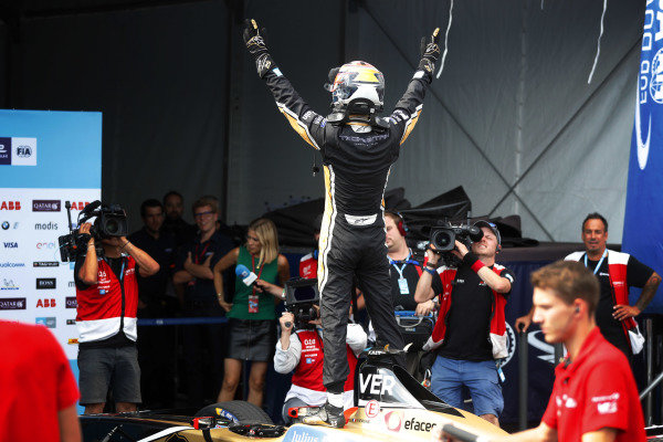 Jean-Eric Vergne (FRA), TECHEETAH, Renault Z.E. 17, celebrates in Parc Ferme after winning the championship.