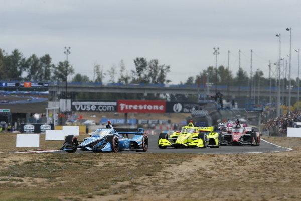 #59: Max Chilton, Carlin Chevrolet, #22: Simon Pagenaud, Team Penske Chevrolet