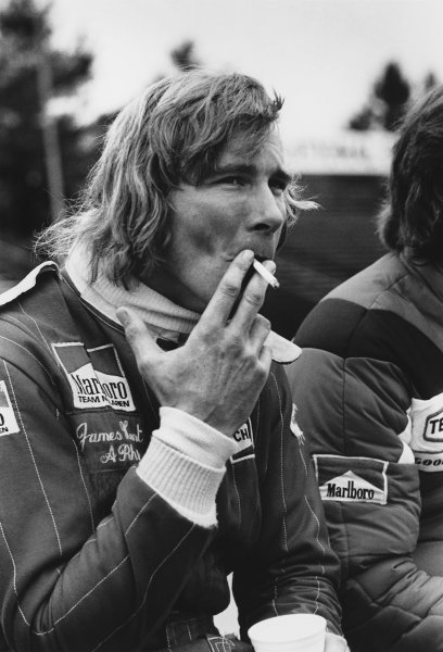 Watkins Glen, New York, USA. 8th - 10th October 1976. James Hunt (McLaren M23 Ford) 1st position, portrait.  World Copyright: LAT Photographic.  Ref: 9223 - 18
