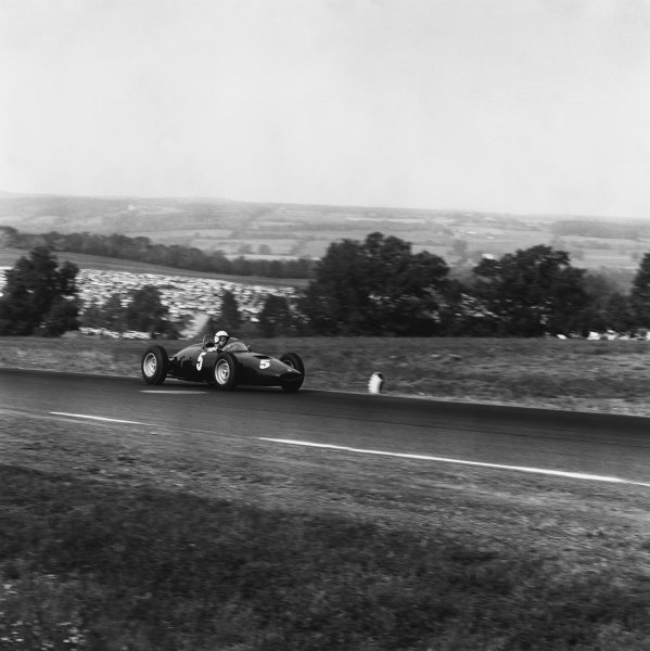 Watkins Glen, USA. 8th October 1961.Tony Brooks (BRM P48/57-Climax), 3rd position, action. World Copyright: LAT Photographic.Ref:  10978