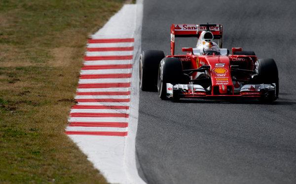 Circuit de Catalunya, Barcelona, Spain Monday 22 February 2016. Sebastian Vettel, Ferrari SF16-H. World Copyright: Glenn Dunbar/LAT Photographic ref: Digital Image _W2Q1131
