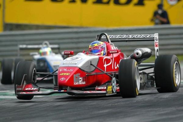 A lot of oversteer for Nicolas Lapierre (FRA) Signature Dallara Renault.F3 Euro Series, Rd13 & Rd14, A1-Ring, Austria, 6 September 2003.DIGITAL IMAGE