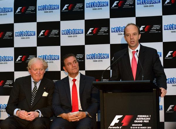 (L to R): Ron Walker (AUS) Chairman of the Australian GP Corporation; John Eren (AUS) Sports Minister and Andrew Westacott (AUS) Australian GP CEO; help to launch the 2015 Australian Grand Prix in Melbourne. 2015 Australian Grand Prix Launch, Melbourne, Australia, 11 December 2014.