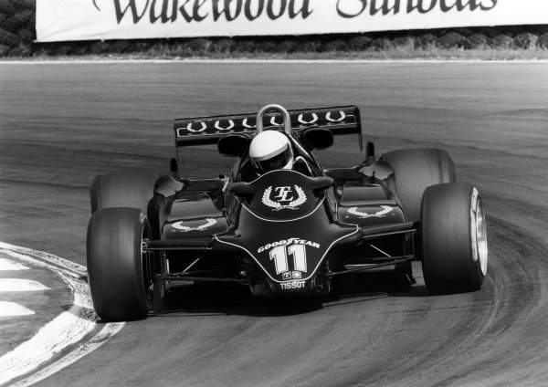 1982 British Grand Prix. Brands Hatch, Great Britain. 18th July 1982. Elio de Angelis (Lotus 91-Ford), 4th position, action. World Copyright: LAT Photographic. Ref: B/W Print.