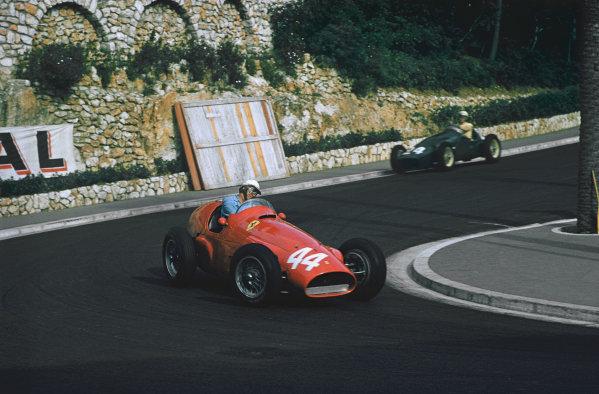 Monte Carlo, Monaco. 19-22 May 1955. Giuseppe Farina driving Maurice Trintignant's Ferrari 625 in practice. Ref: 55MON07. World Copyright - LAT Photographic
