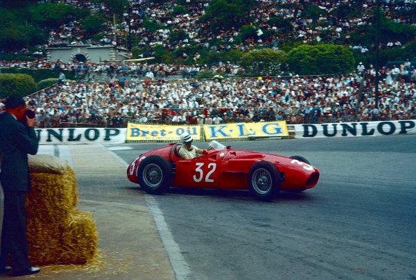 1956 Monaco Grand Prix.Monte Carlo, Monaco.10-13 May 1956.Cesare Perdisa (Maserati 250F) 7th position.Ref-56 MON 10.World Copyright - LAT Photographic