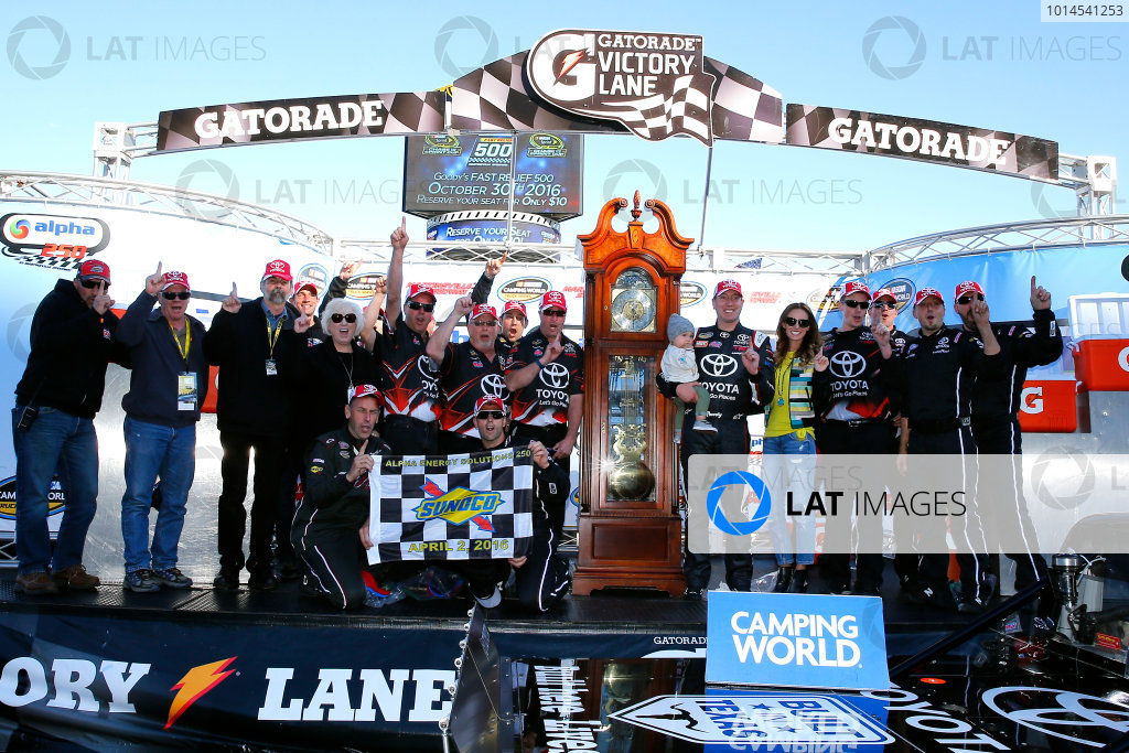 1-2 April, 2016, Martinsville, Virginia USA Kyle Busch celebrates in victory lane ?2016, Russell LaBounty LAT Photo USA