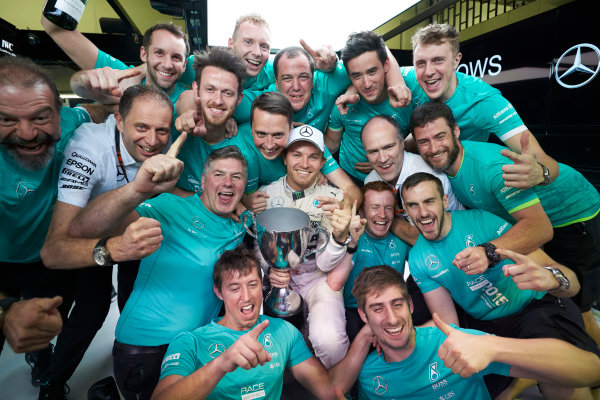 Interlagos, Sao Paulo, Brazil. Sunday 15 November 2015. Nico Rosberg, Mercedes AMG, 1st Position, and the Mercedes team celebrate victory. World Copyright: Steve Etherington/LAT Photographic ref: Digital Image SNE13196