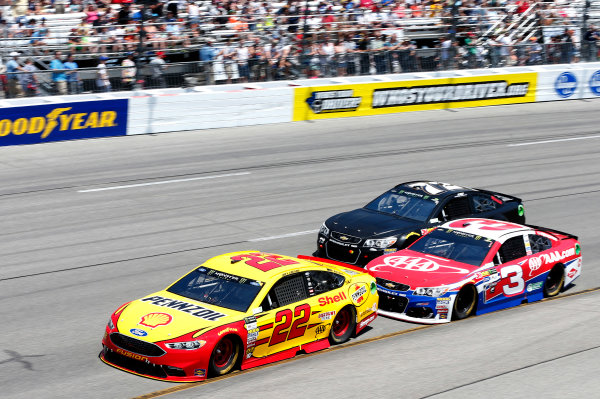 Monster Energy NASCAR Cup Series Toyota Owners 400 Richmond International Raceway, Richmond, VA USA Sunday 30 April 2017 Joey Logano, Team Penske, Shell Pennzoil Ford Fusion Austin Dillon, Richard Childress Racing, AAA Chevrolet SS World Copyright: Matthew T. Thacker LAT Images ref: Digital Image 17RIC1mt1625