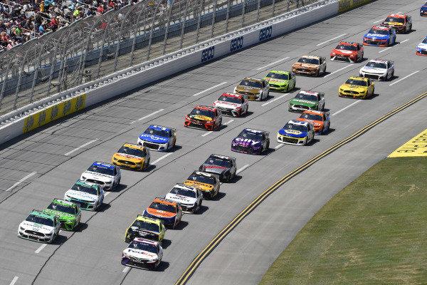 #11: Denny Hamlin, Joe Gibbs Racing, Toyota Camry FedEx Ground and #2: Brad Keselowski, Team Penske, Ford Mustang MoneyLion