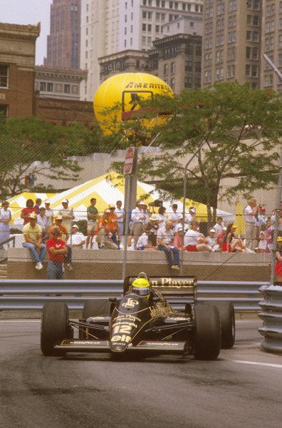 Detroit, Michigan, U.S A.20-22 June 1986.Ayrton Senna (Lotus 98T Renault) 1st position.Ref-86 USA 10.World Copyright - LAT Photographic