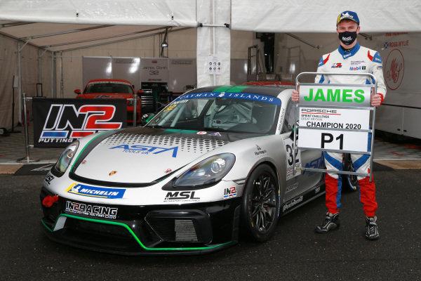 James Dorlin (GBR) - Porsche Cayman 718