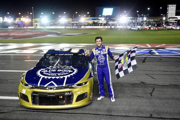 Race winner Chase Elliott, Hendrick Motorsports Chevrolet Kelley Blue Book celebrates Copyright: Jared C. Tilton/Getty Images