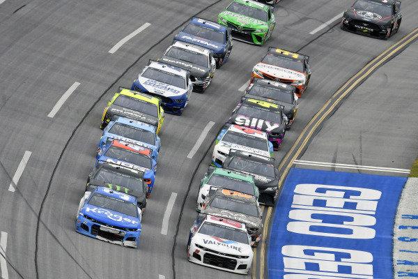 #88: Alex Bowman, Hendrick Motorsports, Chevrolet Camaro Valvoline and #37: Ryan Preece, JTG Daugherty Racing, Chevrolet Camaro Kroger