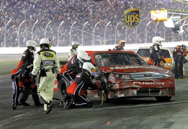 5-14 February, 2010, Daytona Beach, Florida, USABill Elliott pitstop after crash©2010, David J. Griffin, USALAT Photographic