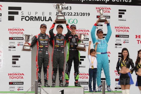 2019 JF3 Rd9&10 SUGO / Rd9 Winner Ritomo Miyata ( #36 Corolla Chukyo Kuo TOM'S F317 ) 2nd position Kazuto Kotaka ( #37 Corolla Chukyo Kuo TOM'S F317 ) 3rd position Sacha Fenestraz ( #11 B-Max Racing with motopark F3 ) podium portrait / Photo by Yasushi Ishihara