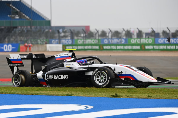 Alexander Smolyar (RUS, ART GRAND PRIX) drives with a right-rear puncture