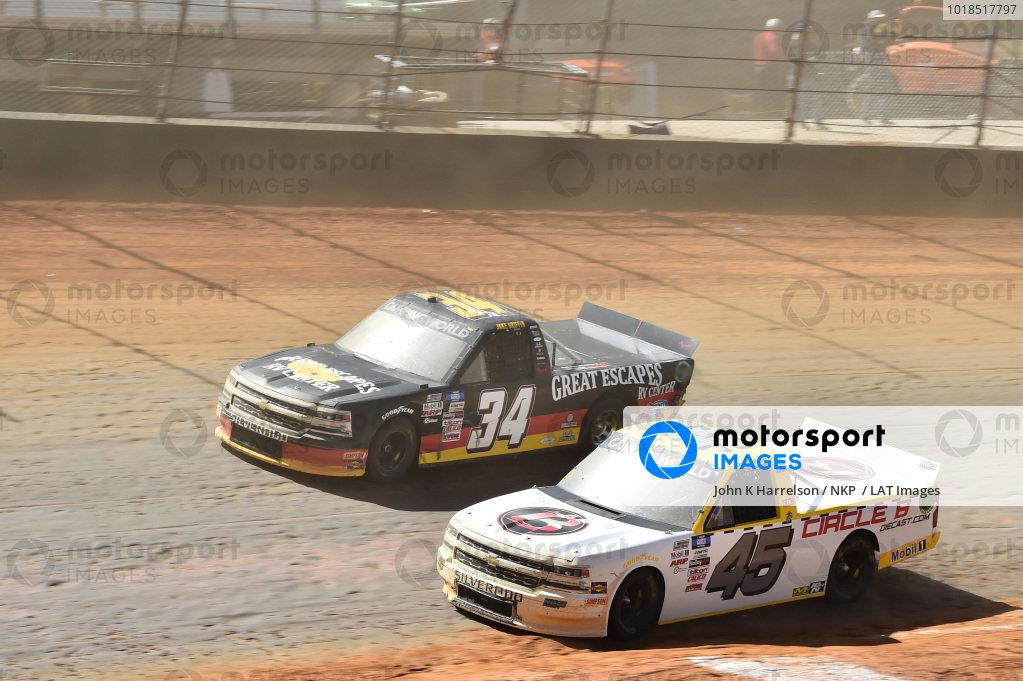 #45: Brett Moffitt, Niece Motorsports, Chevrolet Silverado Circle B Diecast, #34: Jake Griffin, Reaume Brothers Racing, Toyota Tundra Great Escapes RV Center